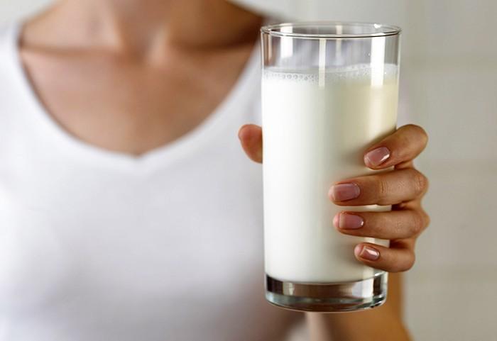 Молоко от лейкозной коровы пить не стоит
