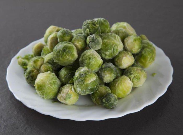 Способ хранения брюссельской капусты – в морозилке