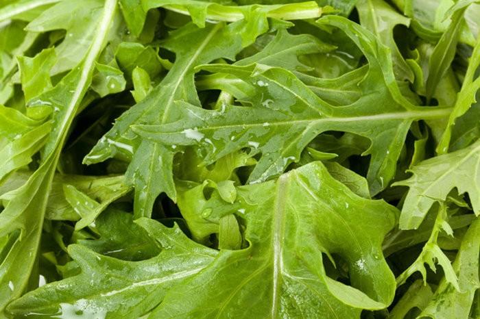 Листья капусты мизуна