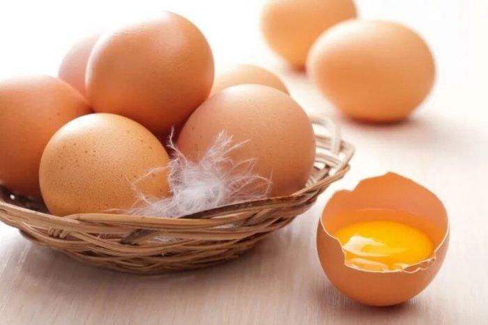 Яйца белого хайсекса