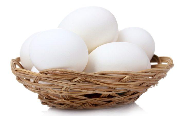 Вес яйца кур суссекс приближен к 60-63 граммам
