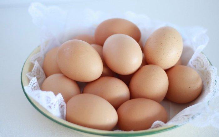 Яйца кур редбро