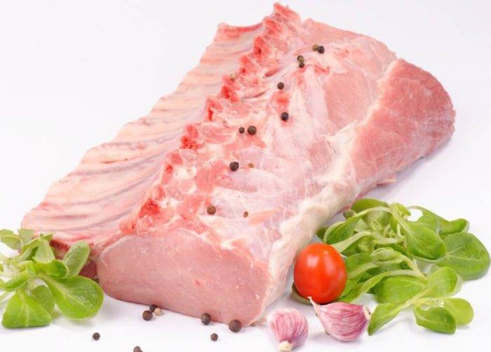 Свиная корейка на ребре