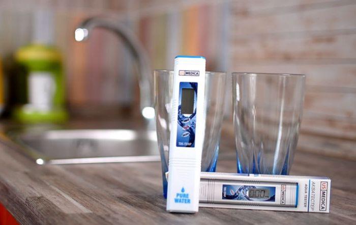 Измерение температуры воды для смеси