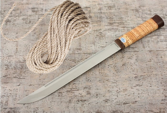 Веревка и нож для забоя свиньи