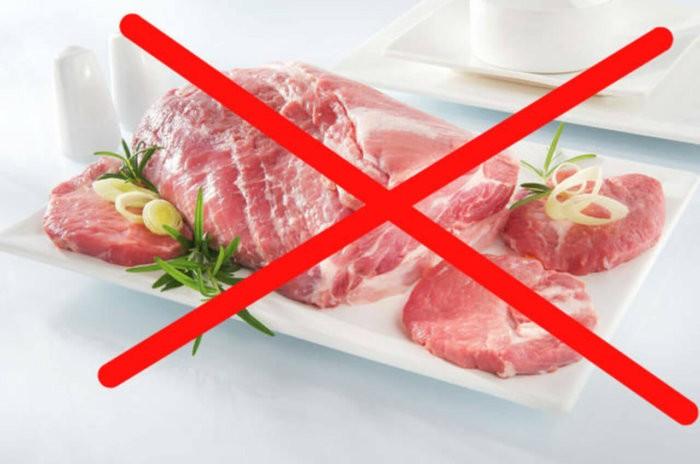 Мясо кроликам давать нельзя